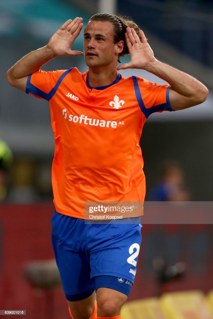 Yannick Stark of Darmstadt celebrates the second goal during the Second Bundesliga match between MSV Duisburg and SV Darmstadt 98 at Schauinsland-Reisen-Arena on August 25, 2017 in Duisburg, Germany.
