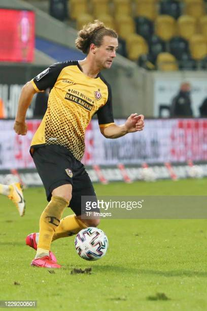 Yannick Stark of SG Dynamo Dresden controls the ball during the 3 Liga match between Dynamo Dresden and FSV Zwickau at RudolfHarbigStadion on October...