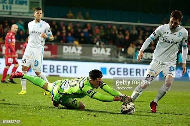 Yannick Thoelen goalkeeper of KAA Gent during the Croky Cup quarter final match between KV Oostende and KAA Gent on December 14 2016 in Oostende...