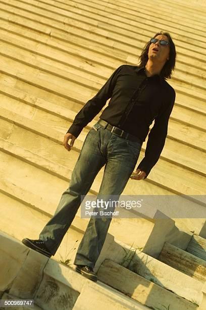 Yannis Kotsiras ARDSpecial Athen 2004 Die Gala V i c k y L e a n d r o s präsentiert die ARDOlympiaShow Athen/Griechenland altes Olympiastadion...