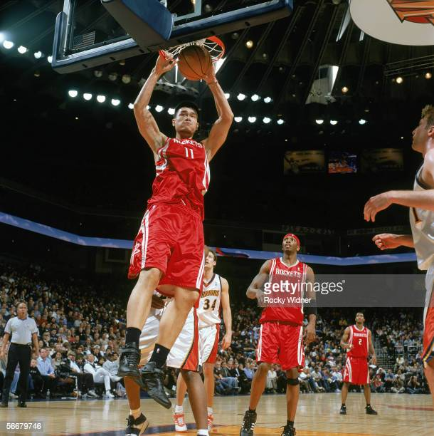 Rockets Vs Warriors Uk Time: Yao Ming Dunk Stock Photos And Pictures