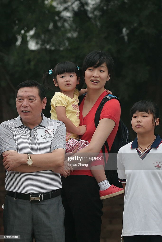 NBA Celebrities Visit A Primary School For Children Of Migrant Workers : News Photo
