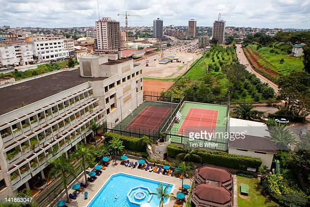 yaounde cameroon - cameroun photos et images de collection
