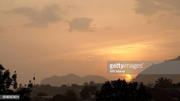 yaounde sunset - ヤウンデ ストックフォトと画像