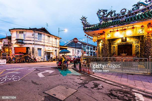 yap kongsi chinese temple in georgetown, penang, malaysia - malaysia stock pictures, royalty-free photos & images
