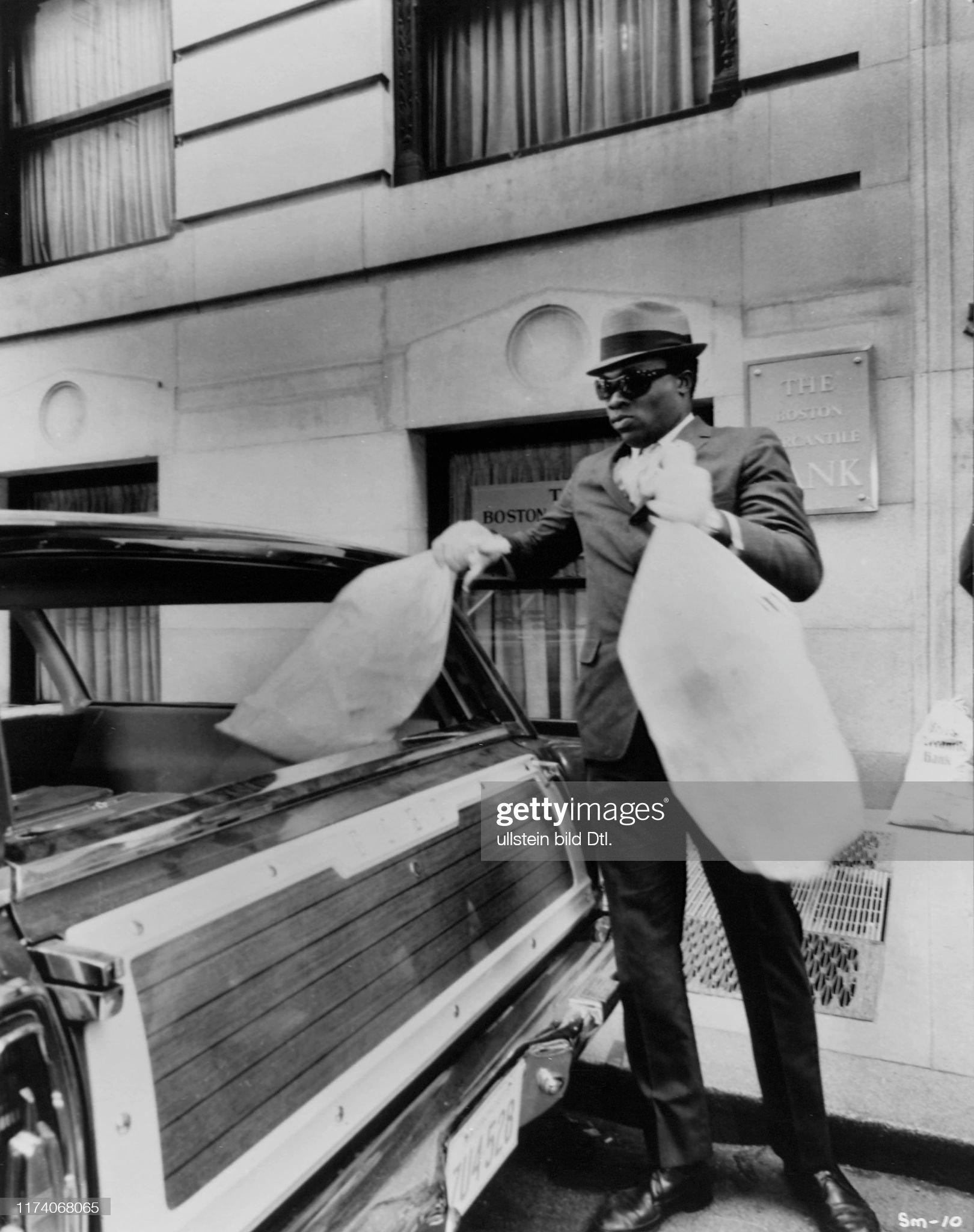 """Yaphet Kotto in """"The Thomas Crown Affair"""" 1968 : News Photo"""