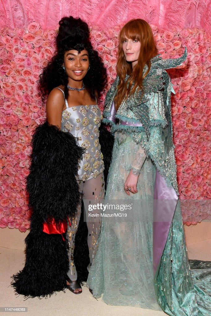 Yara Shahidi And Florence Welch Attend The 2019 Met Gala Celebrating News Photo Getty Images