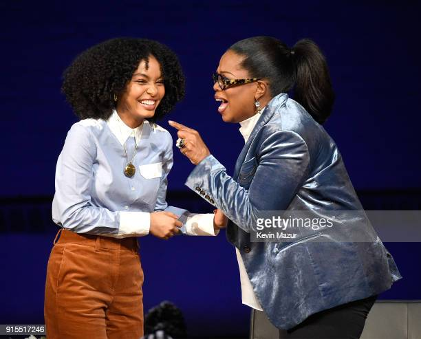 "Yara Shahidi and Oprah speak onstage during ""Oprah's Super Soul Conversations"" at The Apollo Theater on February 7, 2018 in New York City."