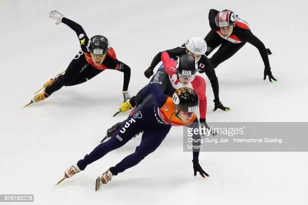 Yara van Kerkhof of Netherlands Kim Boutin of Canada Hitomi Saito of Japan and Jinyu Li of China compete in the Ladies 1000m Quarterfinals during...