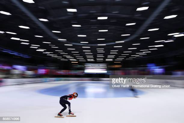 Yara van Kerkhof of Netherlands prepares before the Ladies 1500m semi finals during the Audi ISU World Cup Short Track Speed Skating at Optisport...