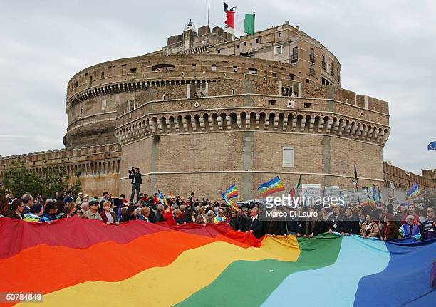 A 568 yards long peace flag is held as people demonstrate for the release of Italian hostages in Iraq April 29 2004 in St Peter's square at the...