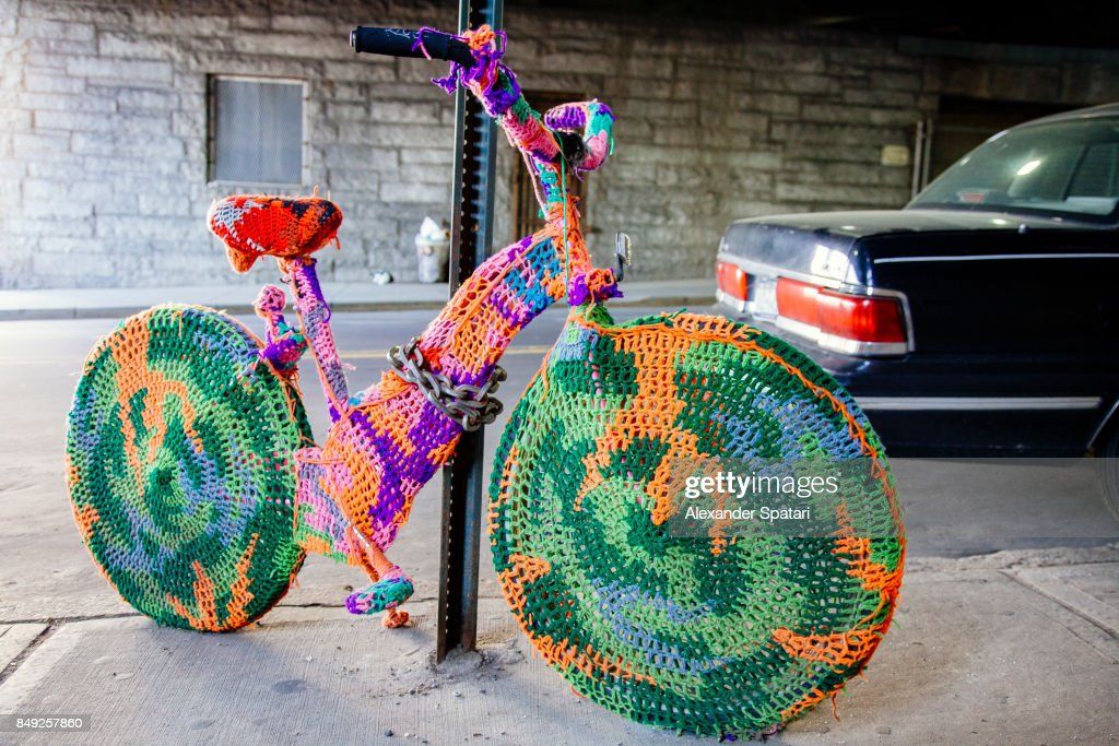Yarn bombing on the streets of New York, USA : Stock Photo