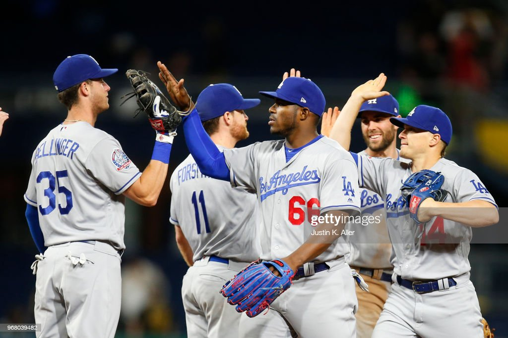 Los Angeles Dodgers v Pittsburgh Pirates : News Photo