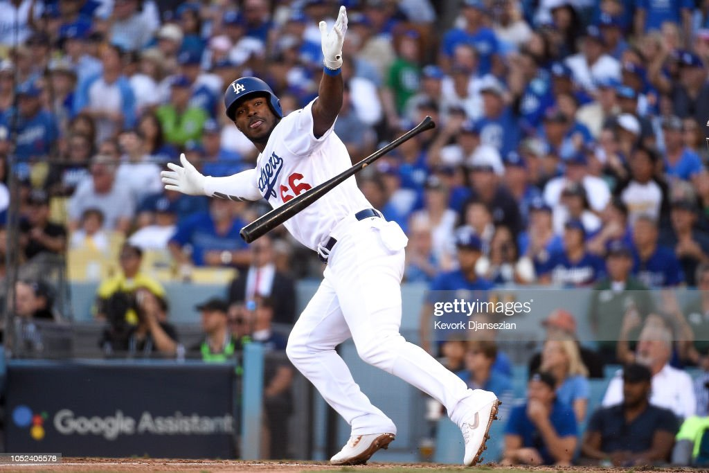 League Championship Series - Milwaukee Brewers v Los Angeles Dodgers - Game Five : News Photo
