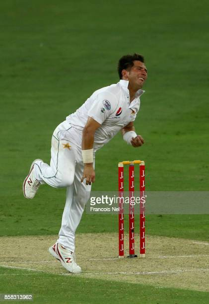 Yasir Shah of Pakistan bowls during Day One of the Second Test between Pakistan and Sri Lanka at Dubai International Cricket Ground on October 6 2017...