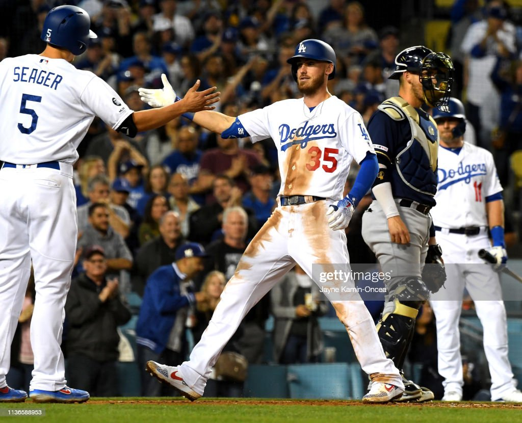Milwaukee Brewers v Los Angeles Dodgers : ニュース写真