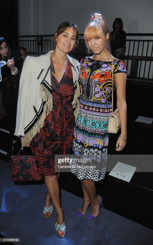 Yasmin Le bon and Amber Le Bon attend the Temperely show during London Fashion Week Autumn/Winter 2016/17 on February 21, 2016 in London, England.