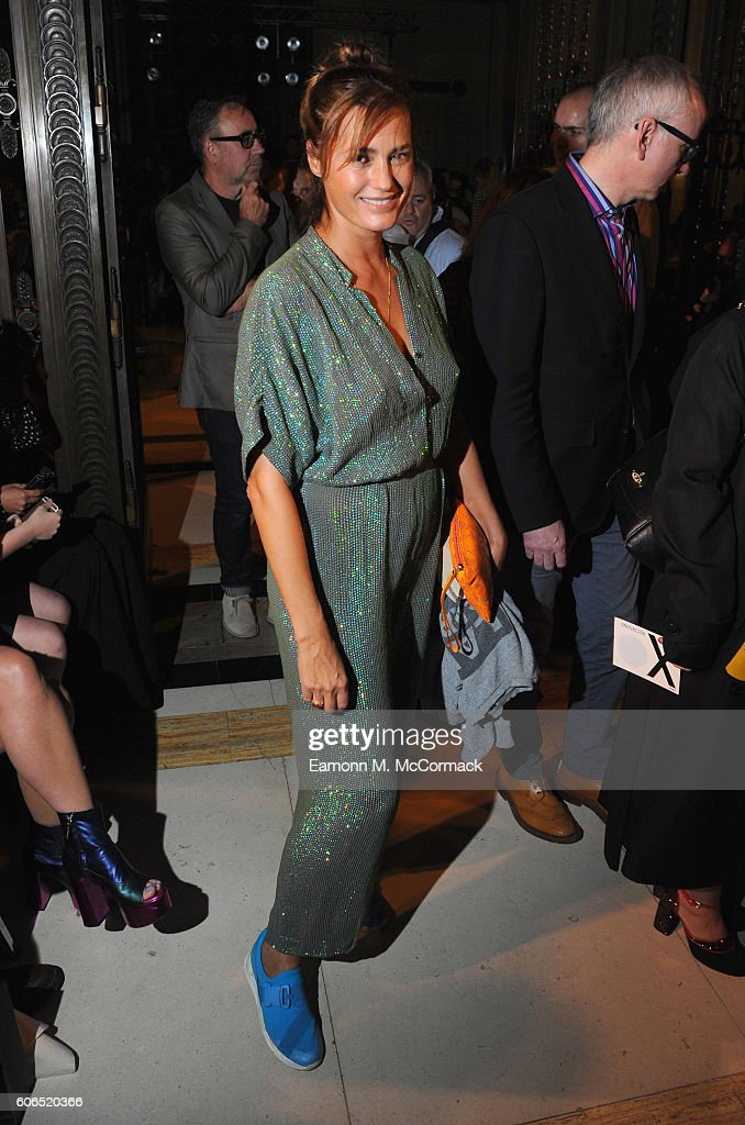 Front Row & Arrivals - Day 1 - LFW September 2016 : News Photo