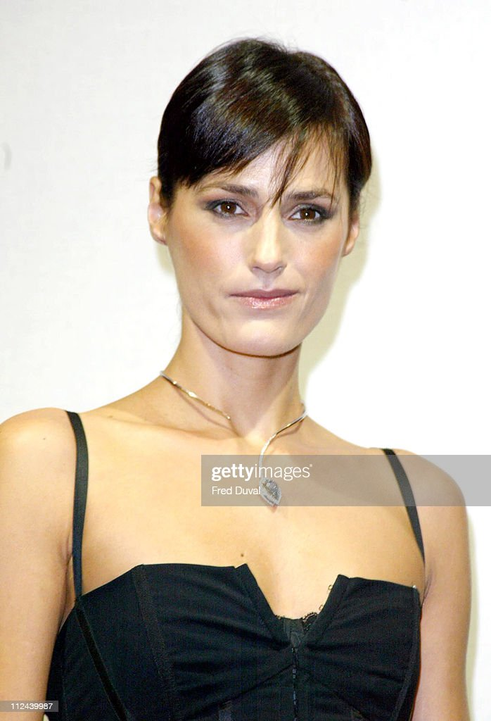 "Yasmin Le Bon Wearing ""The Blue Empress"", Designed By Christian Tse : News Photo"