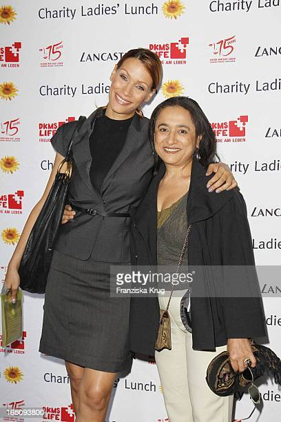 Yasmina Filali Mit Mutter Malika Beim Dkms Life Ladies Lunch In Der Bank In Hamburg