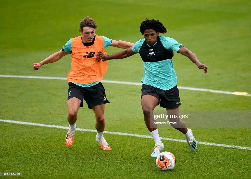 Liverpool Training Session : Nachrichtenfoto