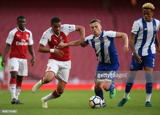 Yassin Fortune of Arsenal under pressure from Oleg Reabciuk of Porto during the match between Arsenal and FC Porto at Emirates Stadium on May 8 2018...
