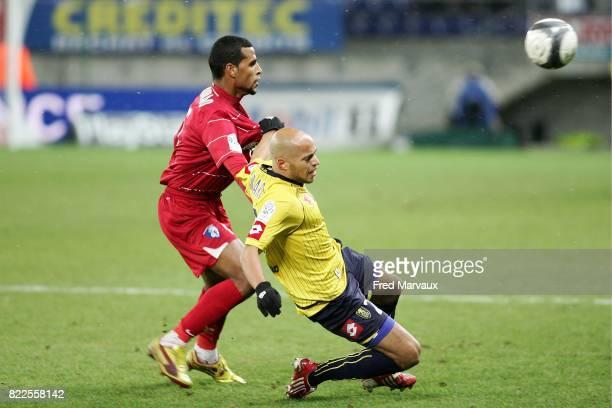 Yassin MIKARI / Jacques alaixys ROMAO Sochaux / Grenoble 17e journee Ligue 1 Stade Bonal Sochaux