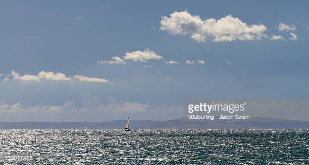 yatch in ocean - s0ulsurfing stock pictures, royalty-free photos & images