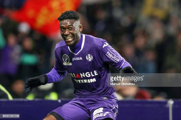 Yaya Sanogo of Toulouse celebrates after scoring his side s second goal during the Ligue 1 match between Toulouse and Strasbourg at Stadium Municipal...