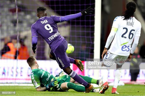 Yaya Sanogo of Toulouse scores his side s opening goal during the Ligue 1 match between Toulouse and Strasbourg at Stadium Municipal on March 17 2018...