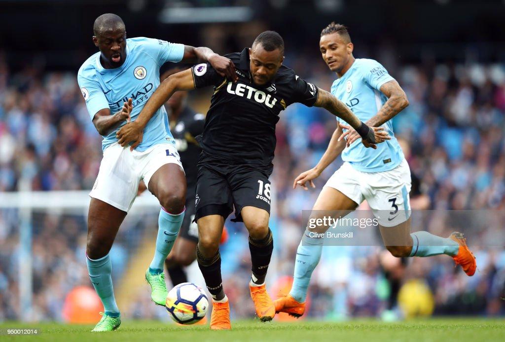 Manchester City v Swansea City - Premier League : Nachrichtenfoto