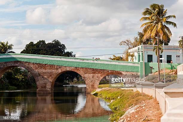 yayabo bridge over yayabo river - merten snijders stock pictures, royalty-free photos & images