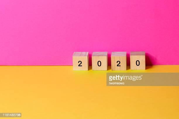 year 2020 still life image. - 2020 stock-fotos und bilder