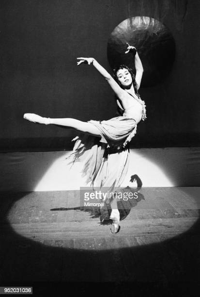 21 year old ballet dancer Georgina Parkinson on stage at the Royal Opera House in Covent Garden during rehearsals for the ballet 'La Belle Dame Sans...