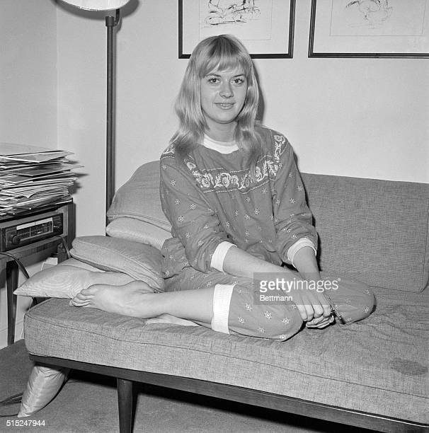 17 year old Beverly Aadland the girl friend of the late Errol Flynn is shown as she was interviewed by the Mirror's Natalie Tirrano She is in New...