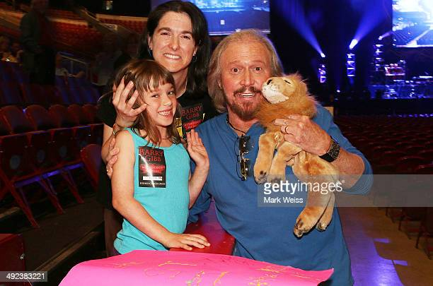 """Year old Charlotte Chiaccio and mom Bonnie Chiaccio meet Barry Gibb at meet and greet. Barry dedicated """"Spicks and Specks"""" Charlotte's favorite Bee..."""
