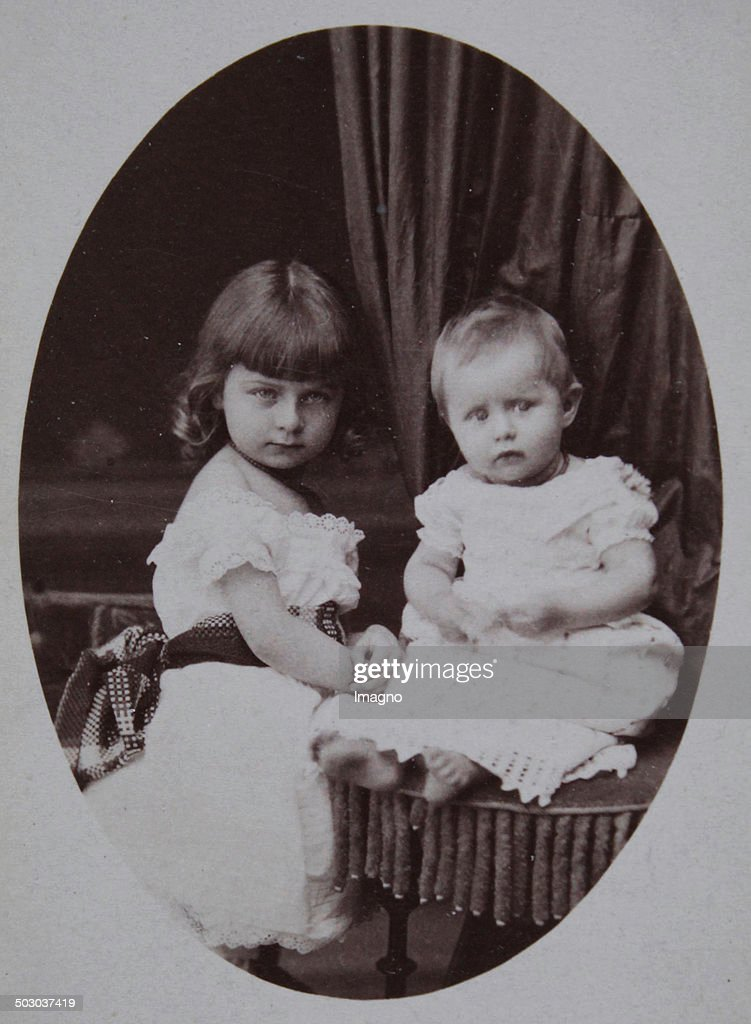4 Year Old Girl With A Baby About 1890 Carte De Visite