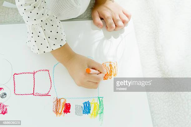6 year old little girl drawing picture