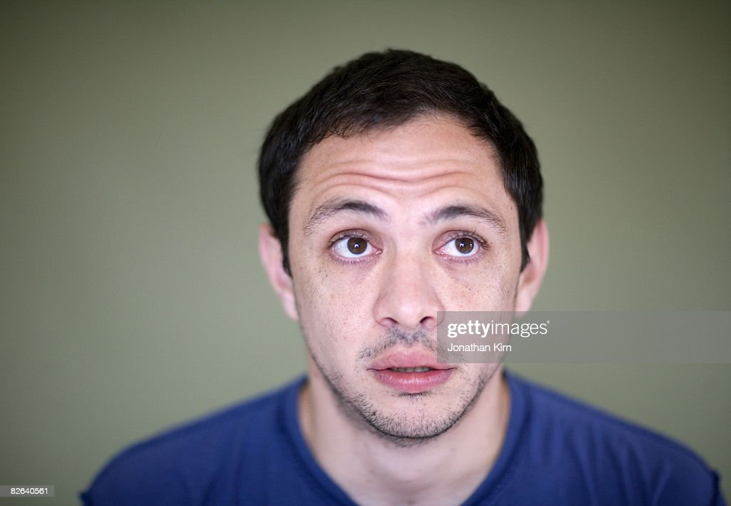 33 Year Old Man In Studio Stock Foto Getty Images
