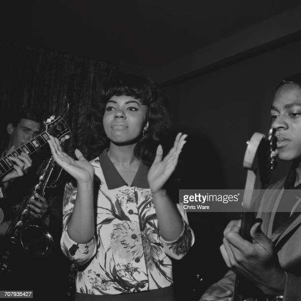 21 yearold American pop singer Mary Wells rehearsing with members of Sounds Incorporated at the Prince Of Wales Theatre London in preparation for a...