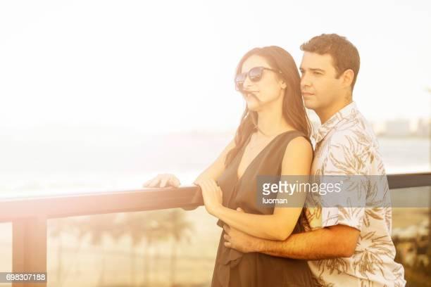 romance de pareja de 30 años de edad - 30 34 years fotografías e imágenes de stock