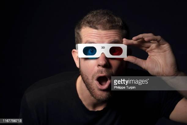 30 years old man,with 3d glasses - 30 34 years bildbanksfoton och bilder