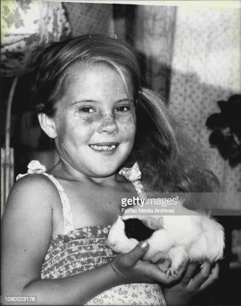 8 years old Nikki Good of Coogee went shopping with her mum today and could not pass the Pet Shop without having a look at a Guinea PigNikki loves...