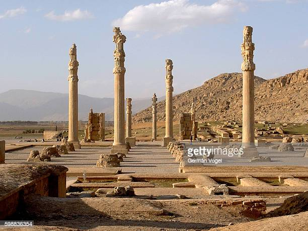 2,500 years old ruins of persepolis in iran - persepolis stock pictures, royalty-free photos & images