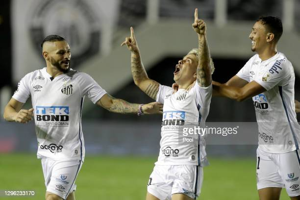Yeferson Soteldo of Santos celebrates with teammates after scoring the second goal of his team during a semifinal second leg match between Santos and...