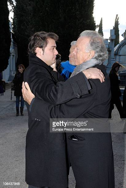 Yelco Ostarcevic attends the funeral for Carla Duval sister of vedette Norma Duval at San Isidro Cementery on November 1 2010 in Madrid Spain Carla...