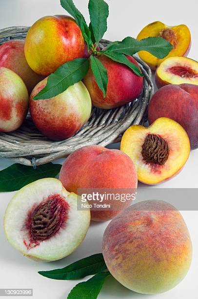 Yellow and white peaches
