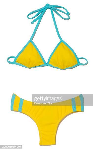 yellow bikini - maillot de bain photos et images de collection