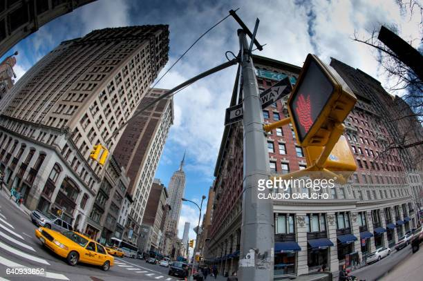yellow cabs in nyc - claudio capucho stock pictures, royalty-free photos & images
