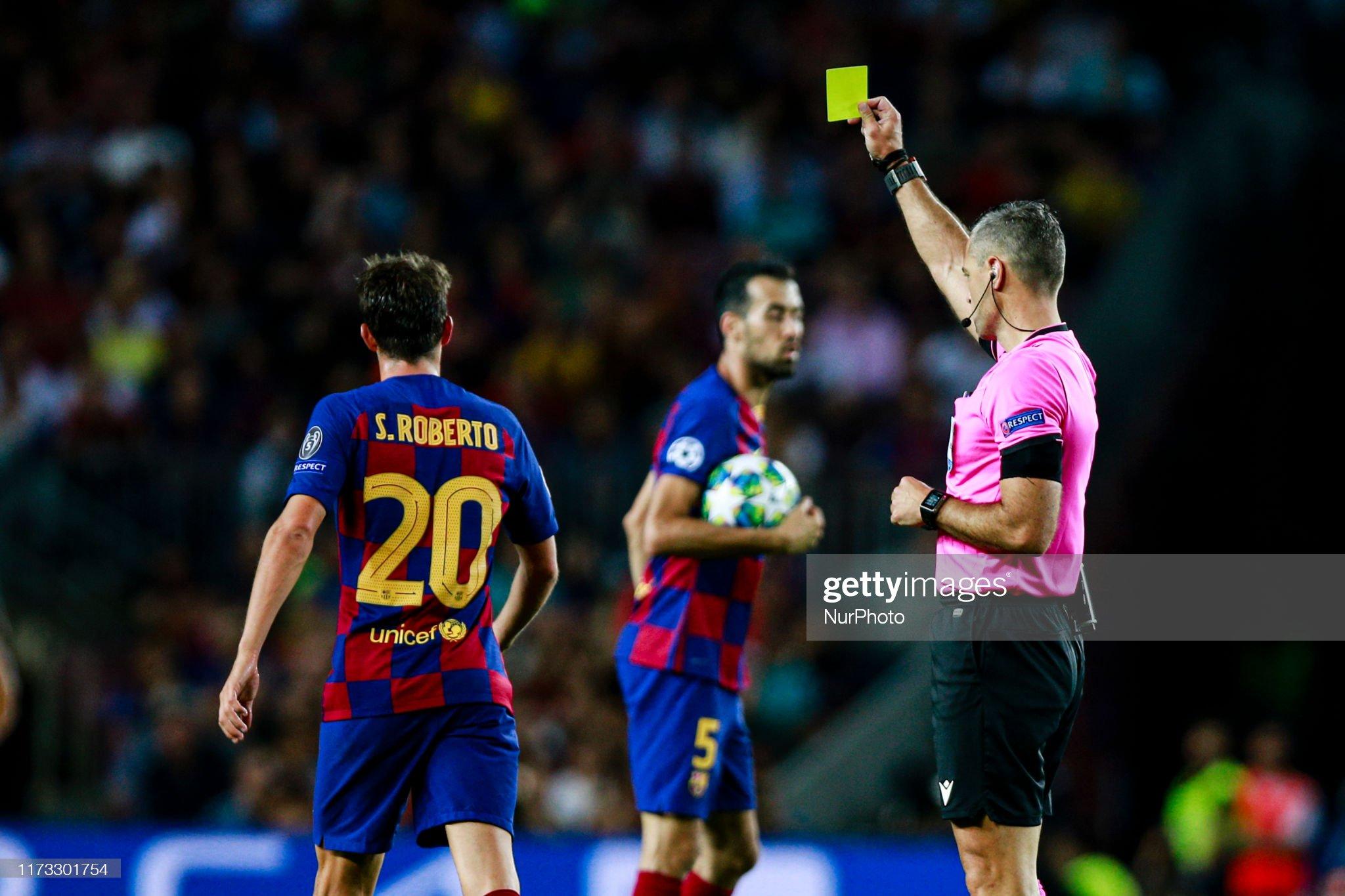 صور مباراة : برشلونة - إنتر 2-1 ( 02-10-2019 )  Yellow-card-for-20-sergi-roberto-from-spain-of-fc-barcelona-during-picture-id1173301754?s=2048x2048